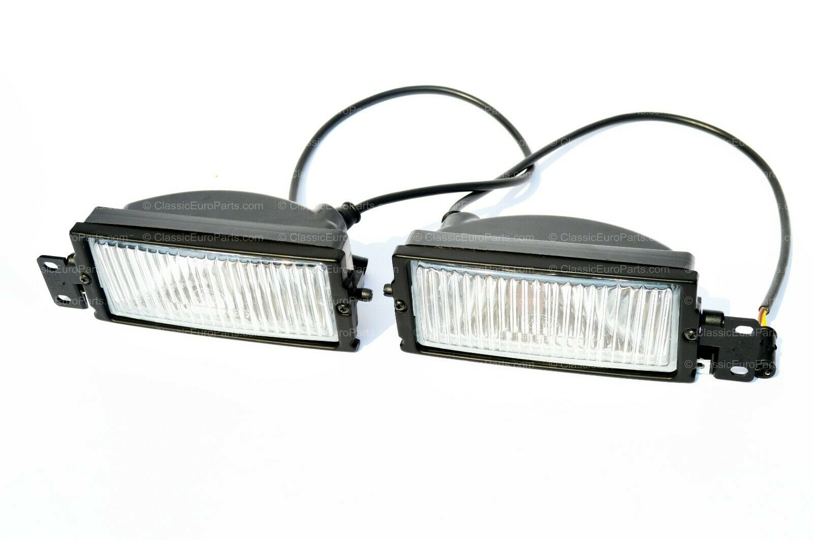 bmw e28 euro fog light  u0026 bracket set  u2013 classiceuroparts